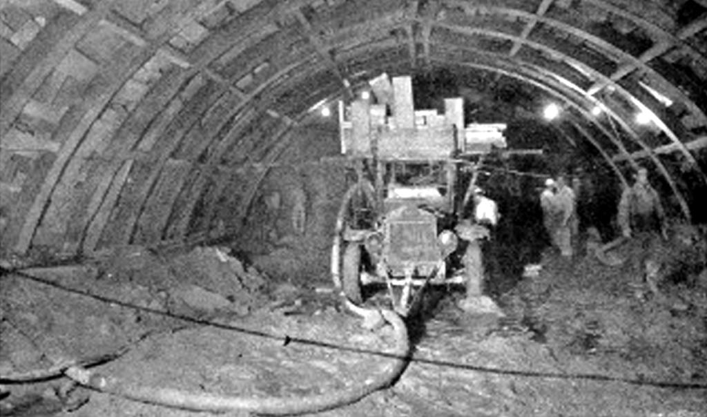 1950constructiontunnel2